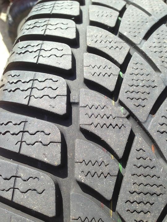 winter-tyre-1342876_960_720