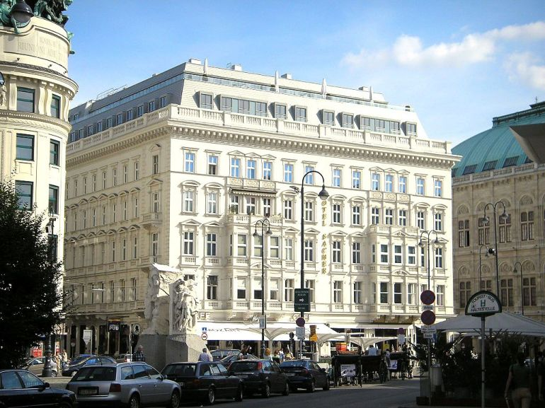 Hotel_Sacher_Vienna_Sept_2006_002