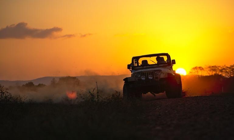 jeep-3266350_960_720