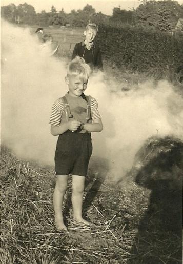 Werner ca 1950-51 auf dem Feld hinter dem Heidkruger Sportplatz an der Tannennergstrasse