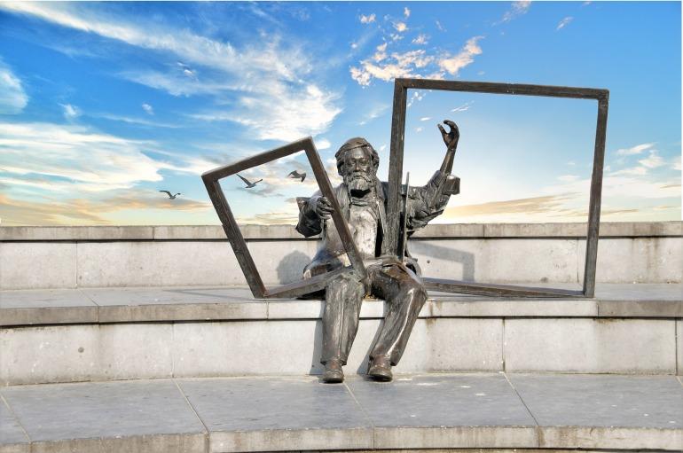 statue-3962959_1920